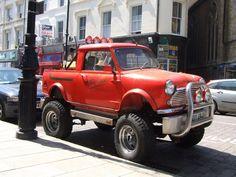 Wooow Mini pick-up with monster wheels aka Mini monster truck :D Mini Trucks, New Trucks, Cool Trucks, Cool Cars, Mini Clubman, Mini Countryman, Mini Coopers, Mini 4x4, Hummer Truck