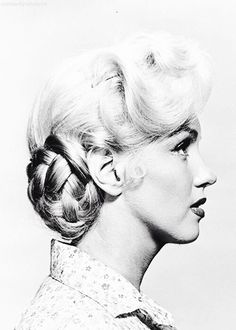 Marilyn Monroe in a hair test for River of no Return in 1953.