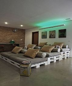 Home cinema made of pallets