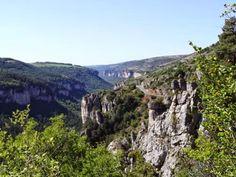 Descente vers Meyrueis en Lozère (Cévennes).
