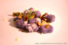 Gnocchi di patate viola con porcini su fonduta di formaggio | Rossetto e Cioccolato
