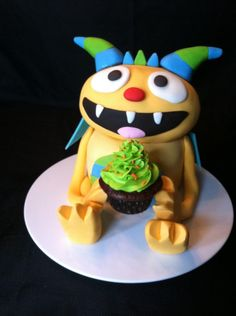 * My sons new favorite show is Henry Hugglemonster on Disney Jr. So we made this cake for him today for his 3rd birthday! A few problems but otherwise turned out great and was easy to do!