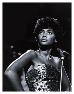 Nancy Wilson, Singer of Blues, Jazz and Cabaret - Grammy Award