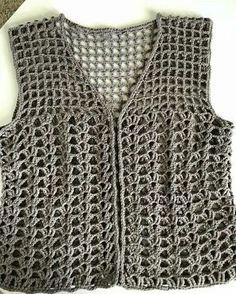 Fabulous Crochet a Little Black Crochet Dress Ideas. Georgeous Crochet a Little Black Crochet Dress Ideas. Black Crochet Dress, Crochet Coat, Crochet Jacket, Crochet Cardigan, Crochet Clothes, Crochet Vests, Crochet Tank Tops, Crochet Summer Tops, Crochet Shirt