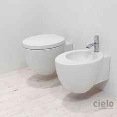 Wall hung WC colored Talco LGVS - Bath Water closet: installation wall hung x 55 x Sanitary ware collection Le Giare design Claudio Silvestrin for Ceramica Cielo Closet Colors, Wall Hung Toilet, Toilet Design, Ceramic Design, Contemporary Ceramics, Bathroom Colors, Interiores Design, Water, Sky