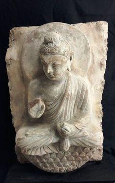Lot : Afghanistan. Site de Hada. II à III°siècle. - HAUT RELIEF de sanctuaire[...] | Dans la vente Art d'Asie à Arnaud Yvos - Var Enchères