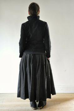 """Dans le calendrier de l'Avent le 23 décembre: la jupe """"femme"""" en lainage écossais -40%"""