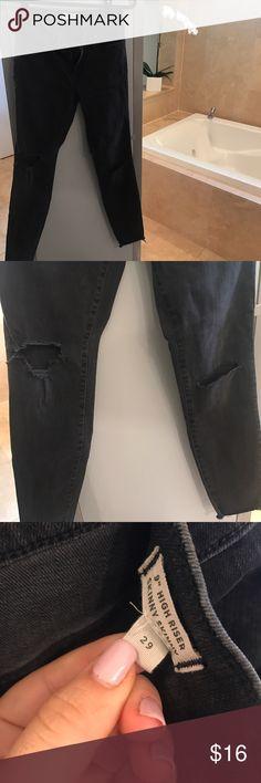 Madewell black ripped skinny jeans Super cute ~ distressed look ~ great condition ~ size 29 ~ higher rise Madewell Jeans Skinny