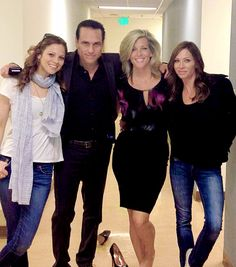 It is cool to see Sonny with the three Carly's. That looks like only 2 Carly's to me. That's definetly Tamara Braun on the left. Is that really Sarah Brown on the right? If it is, she looks a lot more like Claudia Zaccara than the original Carly.