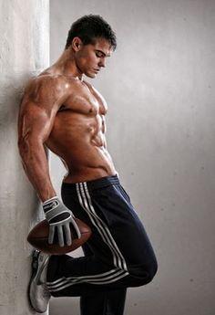 Body builders sexy