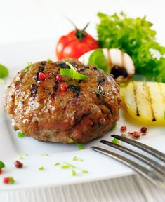 Garlic and Worcestershire Burgers Lamb Burger Recipes, Goat Recipes, Fodmap Recipes, Cooking Recipes, Healthy Recipes, Greek Recipes, Healthy Foods, Dinner Recipes, Meat Patty Recipe