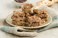 Chewy, No-Bake Homemade Granola Bars by @draxe