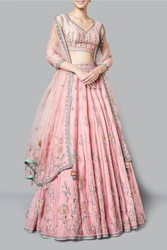 If you loved Neha Dhupia's Bridal Look as much as I did and are wondering, how to achieve the same for your or your sister's wedding, here's what you need to see. Party Wear Indian Dresses, Indian Gowns Dresses, Indian Bridal Outfits, Dress Indian Style, Indian Fashion Dresses, Indian Designer Outfits, Bridal Dresses, Indian Bridal Lehenga, Designer Dresses