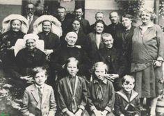 0213358 Coll. Chr. Warnar. Asten. Familie Jantje Eijsbouts. Wie kent de namen?