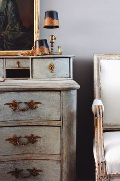 Gustavian Archives - The Antiques Diva - Efex Decorative Moldings - Gustavian Ar. Swedish Decor, Swedish Style, Swedish Design, Swedish Interiors, Scandinavian Interior, Scandinavian Design, Antique Interior, Décor Antique, French Rococo