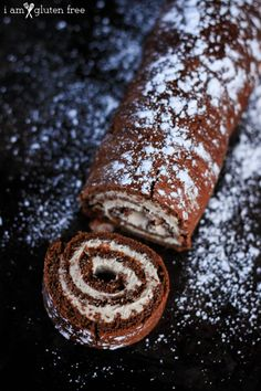 Chocolate Roulade Recipe (Gluten Free and Paleo Friendly) - I Am Gluten Free Chocolate Triffle Recipe, Chocolate Roulade, Chocolate Roll, Chocolate Pastry, Gluten Free Chocolate, Homemade Chocolate, Melting Chocolate, Chocolate Recipes, Lindt Chocolate