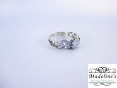 White Gold ring with a Diamond and scroll details on side with diamonds set. White Gold Rings, Bands, Diamonds, Wedding Rings, Engagement Rings, Detail, Jewelry, Enagement Rings, Jewlery