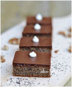 chute a vône mojej kuchyne. Clean Eating Recipes, Cooking Recipes, Baked Goods, Sugar Free, Food And Drink, Low Carb, Sweets, Cheese, Chocolate