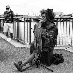 Practical Tips To Build Your Street Photography Confidence. A Post By: Michael Walker-Toye. http://digital-photography-school.com/practical-tips-to-build-your-street-photography-confidence/