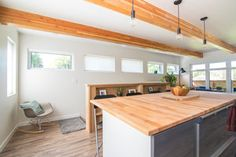Saskatoon Garage and Garden Suite Builder. Carriage House Apartments, Home, Garage Guest House, Tiny House Floor Plans, Building A House, Beach House Flooring, Luxury House Designs, Structural Insulated Panels, Tiny House Plans