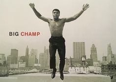 Muhammad Ali was one of the most controversial American athletes in world history. Muhammad Ali quotes might be just as famous as him. Gordon Parks, Citation Mohamed Ali, Harry Benson, Der Boxer, Muhammad Ali Quotes, Exposition Photo, Jesse Owens, Photo Souvenir, Float Like A Butterfly
