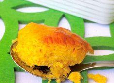 Pampoentert is een van daardie lekker eg Suid-Afrikaanse geregte waarmee ons almal grootgeword het. Dit is nie net smaaklik nie, maar skep ook 'n kleurryke prentjie op 'n bord. Sweet Pumpkin Recipes, Salty Foods, Food N, Cheap Meals, Spanakopita, Food For Thought, Cornbread, Cake Recipes, Side Dishes
