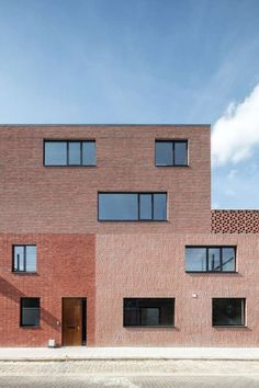 Brick Architecture, School Architecture, Brick Design, Facade Design, Building Exterior, Brick Building, Brick Projects, Exterior Tiles, Brick Detail