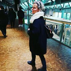 #ontour im #bikiniberlin ... #kaltistes in #berlin  #coldday #zaramantel #women2style #over50 #over50style #over50blogger #black #mystyleoverfifty #whatiwear #ootd #outfitoftheday #mystyle