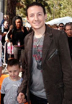 Chester Bennington from linkin park with his son Draven