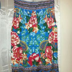 NWOT Forever 21 Small dress. Very pretty floral junkies summer dress. Very fun and fluid. Forever 21 Dresses Strapless