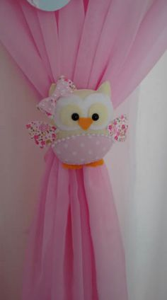 45 Funny and Cute Christmas Decorating Ideas 2018 Felt Crafts, Fabric Crafts, Sewing Crafts, Diy And Crafts, Sewing Projects, Projects To Try, Curtain Holder, Curtain Ties, Curtains
