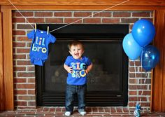 Let T-Shirts Do The Talking - Creative Gender Reveal Ideas - Photos Sibling Gender Reveal, Gender Reveal Pictures, Simple Gender Reveal, Gender Reveal Announcement, Pregnancy Gender Reveal, Gender Announcements, Baby Shower Gender Reveal, Baby Gender, Pre Pregnancy