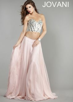 Love the two piece style ever since I saw Kendall Jenner wearing it #rissyroosprom #prom #dress #skirt