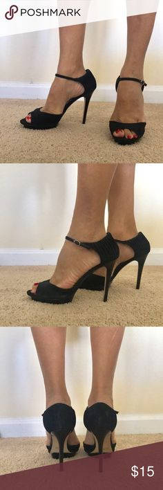 Black Heeled Sandals Perfect for a night on the town, these sandals are in great condition. Extra platform also adds comfort. Joey Shoes Heels