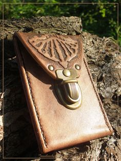 Jeweleeches Vivian Hebing handmade leather! You can also find me on facebook!