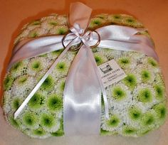 Fioreria Oltre/ Floral ring bearer pillow/ Button mums