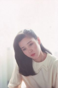sit in front of the window in the light and let the hair down Japan Woman, Asian Doll, Down Hairstyles, Movie Stars, Beautiful People, How To Memorize Things, Turtle Neck, Singer, Actresses