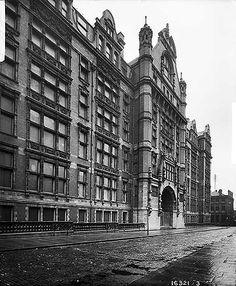 Municipal School Of Technology, Sackville Street, Manchester, 1901 Manchester City Centre, London Manchester, Old London, Amazing Pictures, Old Pictures, Old Photos, Shirley Baker, Ripper Street, Rochdale