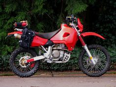 Custom setup for long distance touring. The best power to weight ratio you can get, along with Honda reliability. Honda Bikes, Honda Motorcycles, Cars And Motorcycles, Custom Motorcycles, Enduro Motorcycle, Motorcycle Outfit, Safari, Adventure Gear, Dual Sport