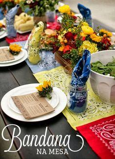 Sirva com Bossa: Decorando a mesa com bandanas