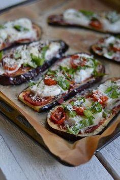 Munakoisopizzat - Keittiössä, kotona ja puutarhassa Raw Food Recipes, Vegetarian Recipes, Cooking Recipes, Healthy Recipes, I Love Food, Good Food, Yummy Food, Healthy Cooking, Healthy Snacks