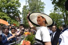 Queen Maxima Photos - King Willem-Alexander And Queen Maxima Of The Netherlands Visit Lower-Saxony - Zimbio