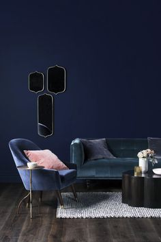 Blue Living Room Decor - What's the color for mental health? Blue Living Room Decor - Do blue walls make you depressed? Dark Living Rooms, Living Room Paint, Living Room Colors, Living Room Sofa, Living Room Decor, Dining Room, Blue And Pink Living Room, Living Walls, Dining Chair