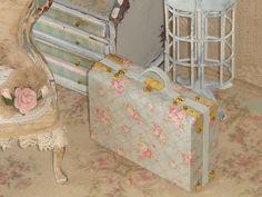 Dollhouse Shabby Suitcase 1:12