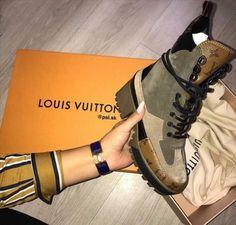 LOUIS VUITTON | Laureate Platform Desert Boot