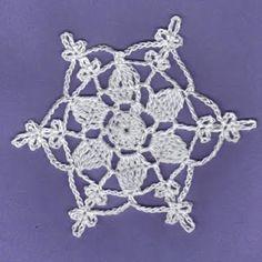 THREAD 'N' STITCHES: Christmas Star Snowflake Free Pattern