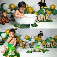 Jungle Safari Cake, Jungle Theme Cakes, Safari Cakes, Boys 1st Birthday Cake, Safari Theme Birthday, Wild One Birthday Party, First Birthday Photography, Cake Smash, First Birthdays