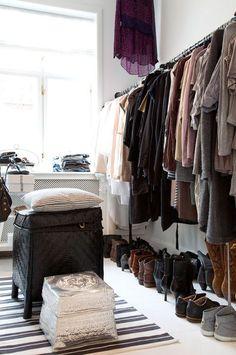 GirlsGuideTo   9 Steps to Declutter Your Closet   GirlsGuideTo
