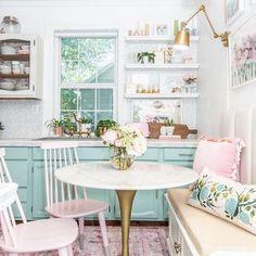 Home Design, Design Design, Plug In Wall Lamp, Wall Lamps, Home Interior, Interior Design, Rental Kitchen, Piece A Vivre, Cuisines Design