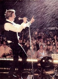 "Untitled — David Bowie ""A Reality Tour"" Circa 2004 〰🎶"